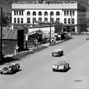 Car Race on Mill Street - Ferenc Berko